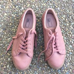 ASOS 🎀 Lace Up 🎀 Sneakers Size 11 Pink